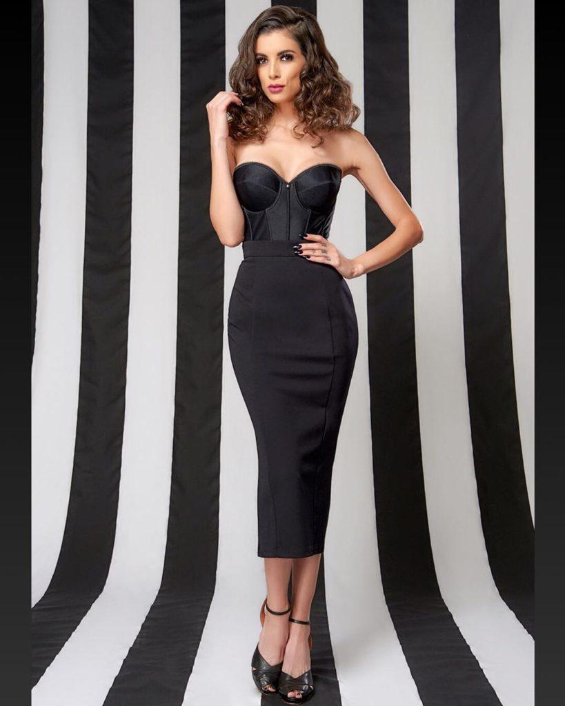 LeeAnna Fashion Sense, always dark colored dress