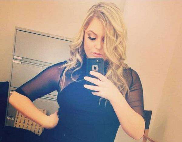 Aimee Hall selfie pose