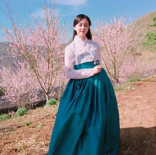 Kim So-hyun spends most of her income in dresses