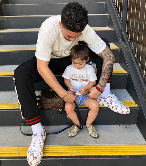 Austin McBroom with his daughter Elle