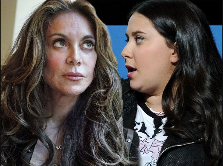 Claudia Oshry and her mother Pamela Geller
