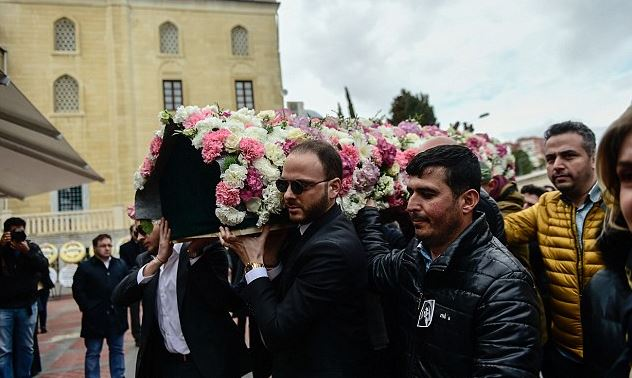 Murat Gezer carried coffin of his beloved