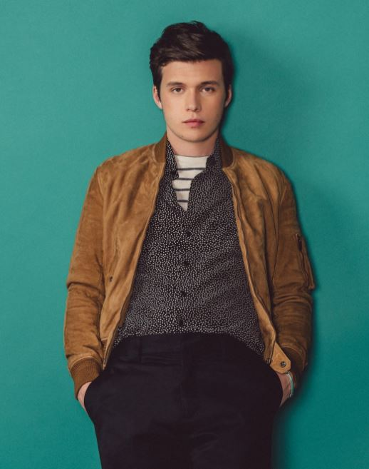 Nick Robinson Body Measurements, Height, Size
