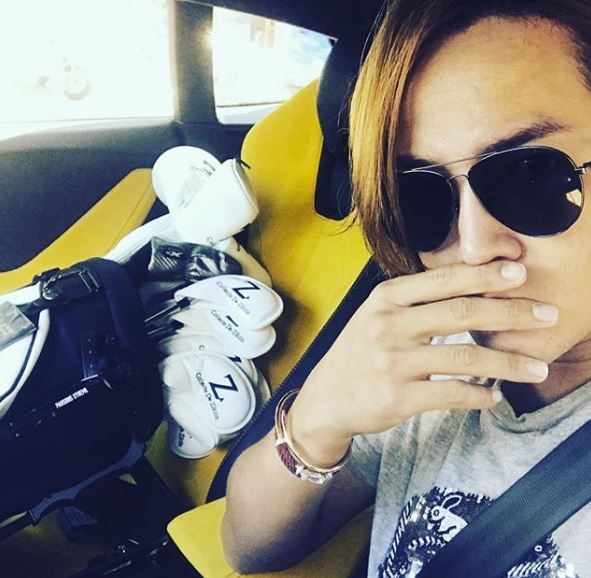 Jang Keun Suk owns a yellow Lamborgini