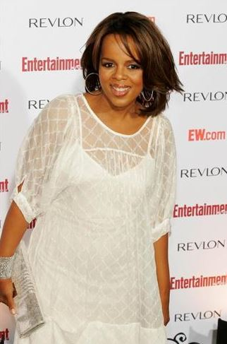 Paula Newsome Body Measurements, Height, Size
