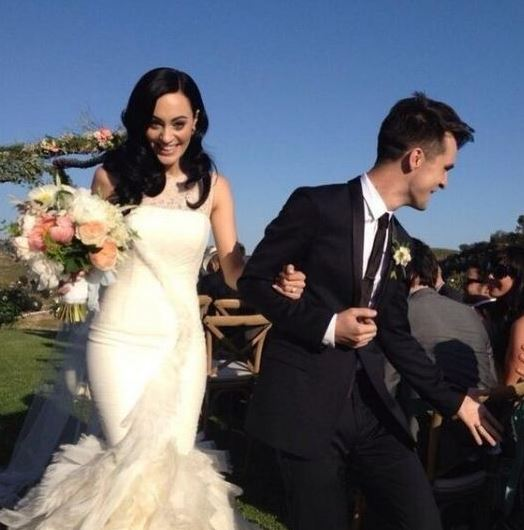 Sarah with her husband, Brendon Urie on wedding day