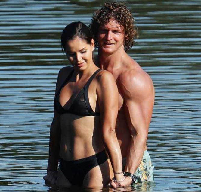 Dasha with the Bachelor, Nick Cummins
