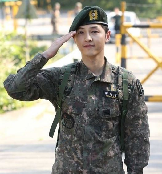 Song Joong Ki Height, Weight, Size