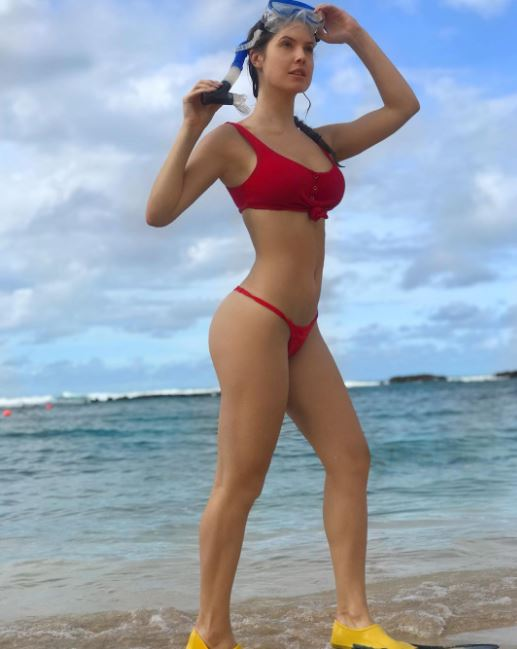 Amanda Cerny Body Measurements, Height, Weight