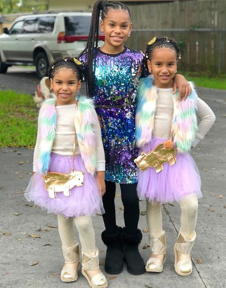 Ilani with her sisters