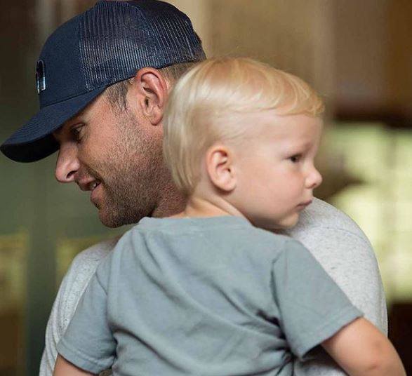 Andy Roddick with his son