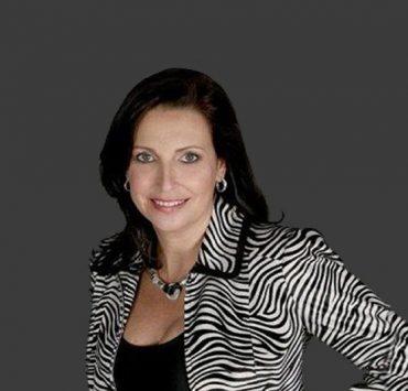 Beth Dillon Bio, Wiki, Net Worth
