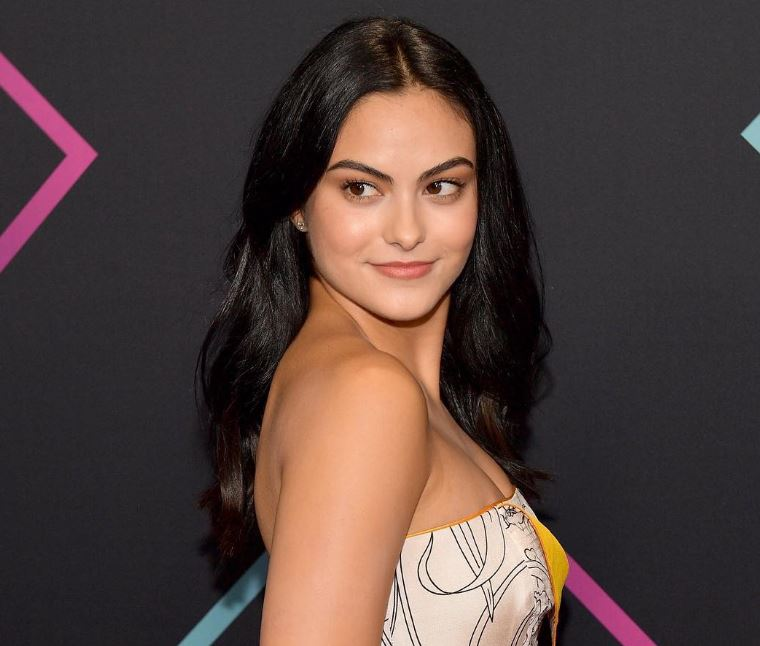 Camila Mendes Family, Siblings, Parents