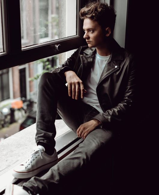 Conor Maynard dating, girlfriend, single