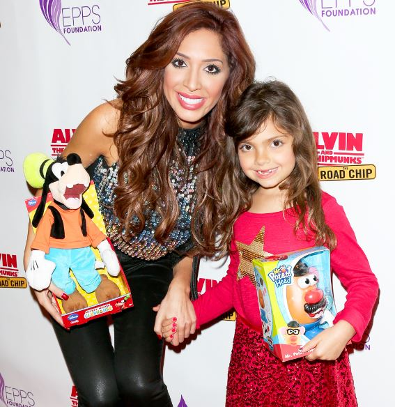 Farrah with her daughter, Sophia L Abraham