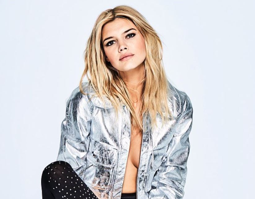 Kelly Rohrbach Bio, Wiki, Net Worth