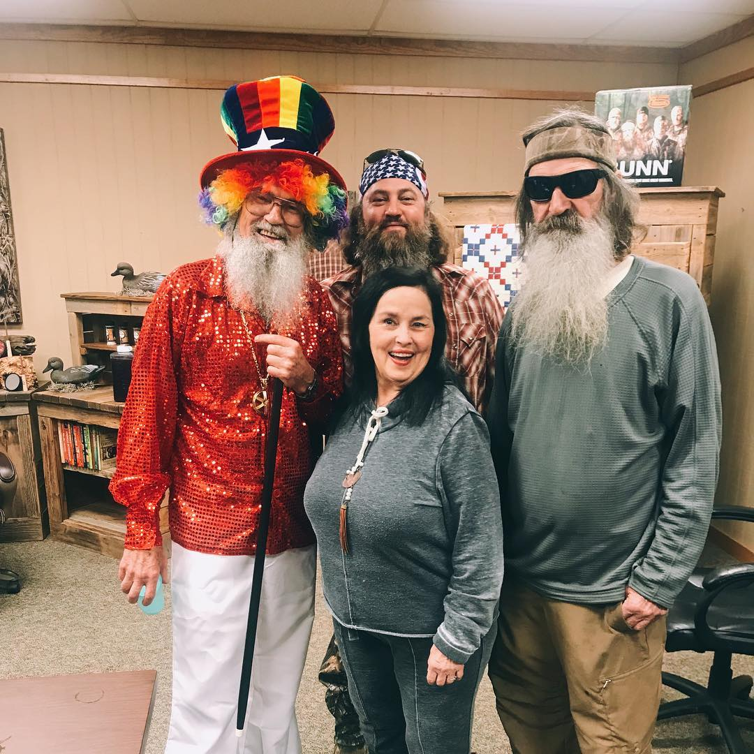 Phil Robertson with son, brother and wife