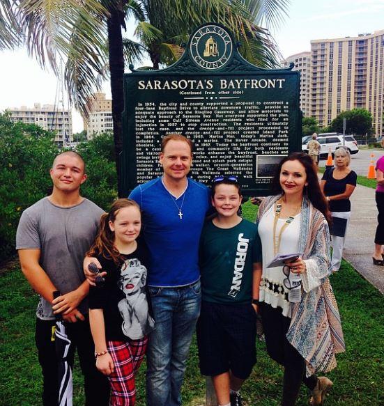 Nik Wallenda with Family