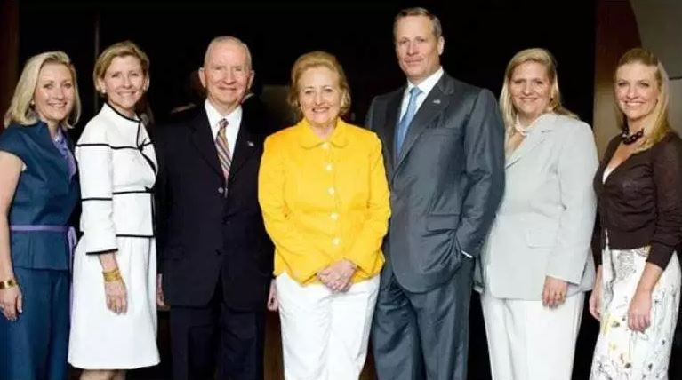 Ross Perot with his family