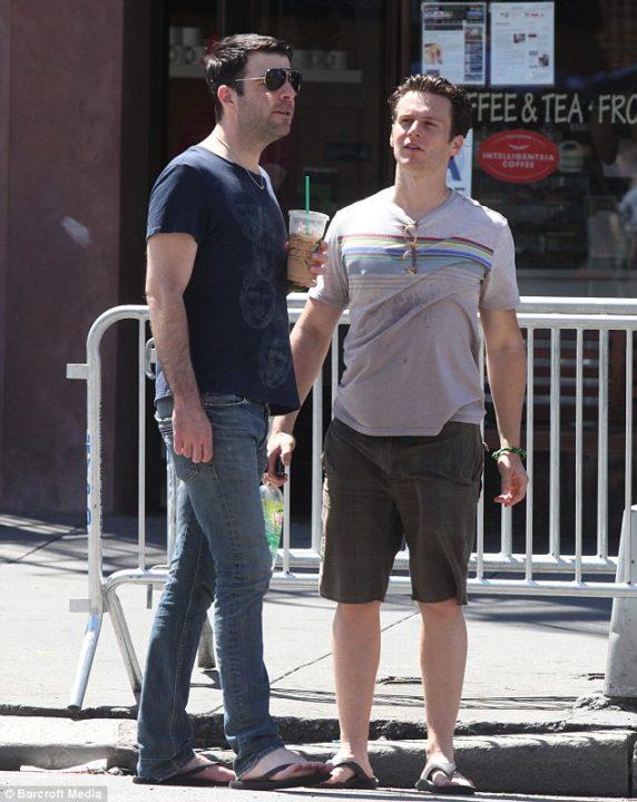 Jonathan Groff dating, partner, Zachary Quinto