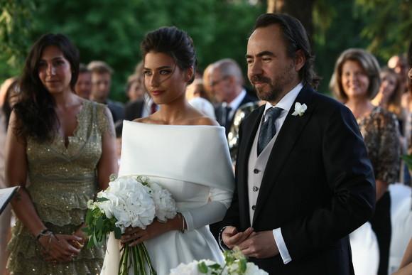 Alice Peneaca Married, Husband, Bobby Paunescu