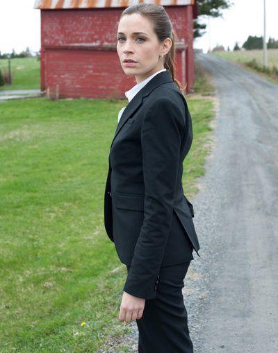 Kathleen Munroe Net Worth, Salary, Income