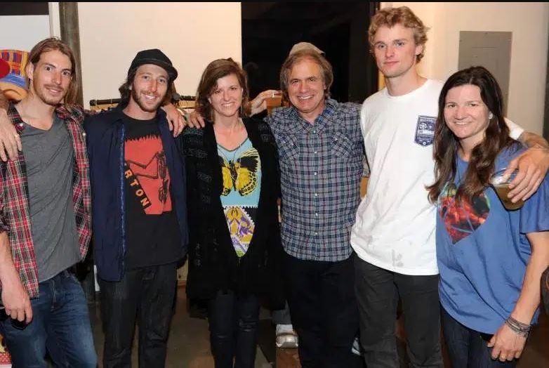 Donna Burton Family, Sibling, Parents
