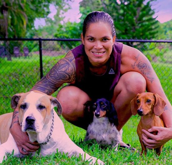 Amanda Nunes Family, Parents, Pets