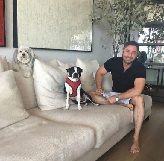 Aaron Kirman Family, Pet, Animal Lover