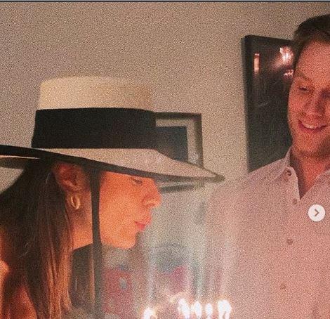 Laysla De Oliveira Dating, Boyfriend, Jonathan Keltz