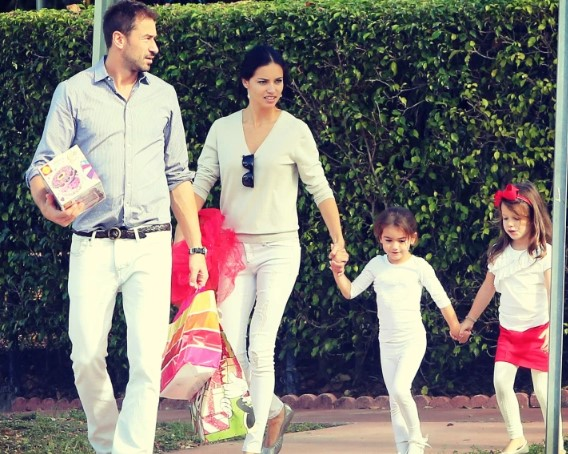 Adriana Lima Parents, Family, Siblings