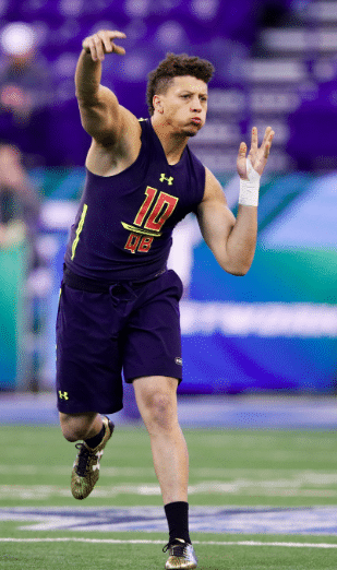 Patrick Mahomes Body Measurement, Height, Weight