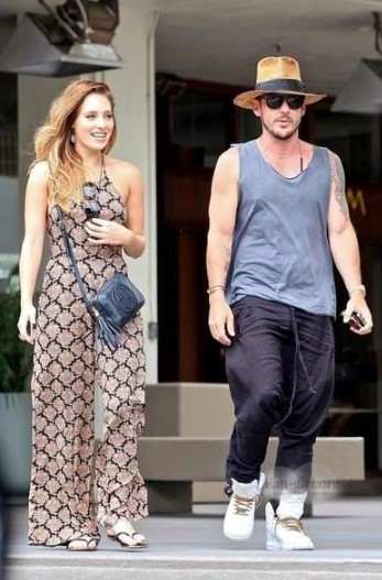 Shannon Leto Dating, Girlfriend, Affairs