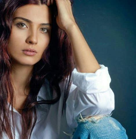 Tuba Buyukustun Net Worth, Actress