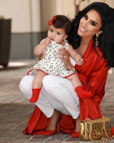 Lilly Ghalichi Family, Parents, Siblings