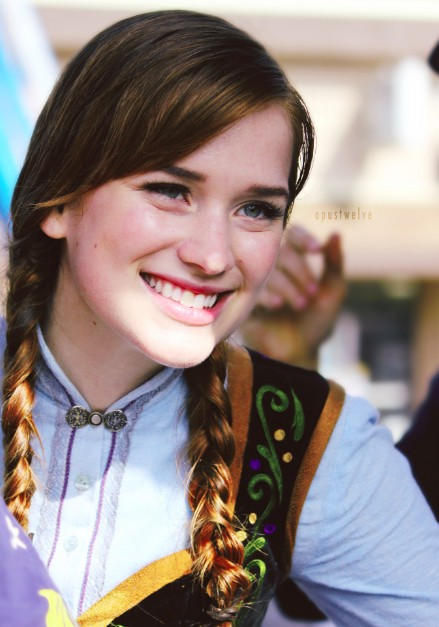 Elizabeth Lail Relationship, Dating, Boyfriend