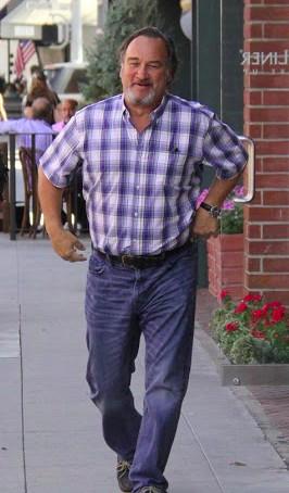 Jim Belushi Body Measurement, Height, Weight