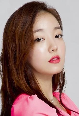 Moon Ji-In Family, Parents, Sibling