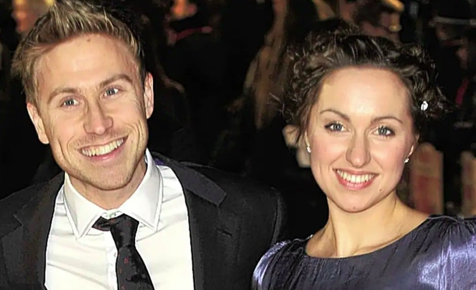 Russell Howard Family, Parent, Sibling