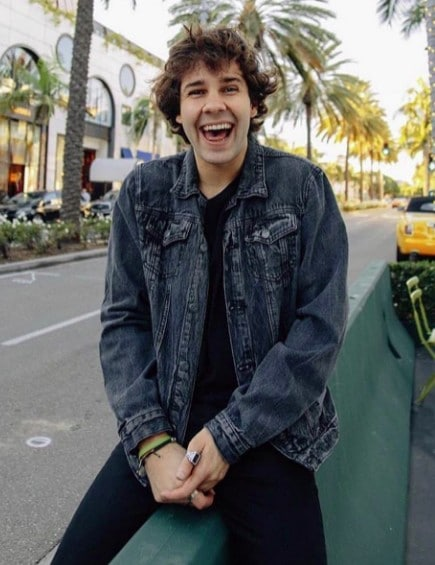 David Dobrik Body Measurement, Height, Weight