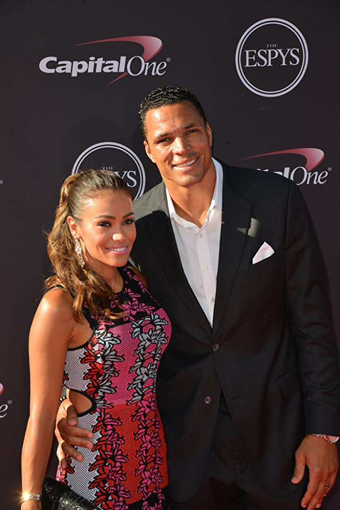 Tony Gonzalez Married, Wife, October Gonzalez