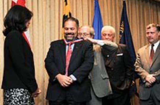 Ray Suarez Career, Award, Honor