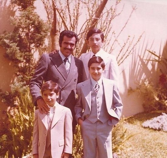 Alejandro Fernandez father, siblings