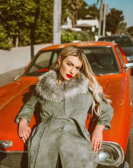Lola Lennox Net Worth, Salary, Income