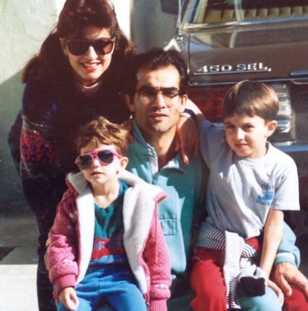 Sheila Vand Parents, Family, Siblings