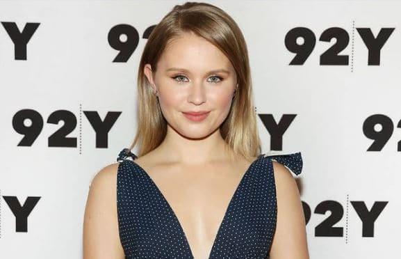 Eliza Scanlen Dating, Boyfriend, Partner